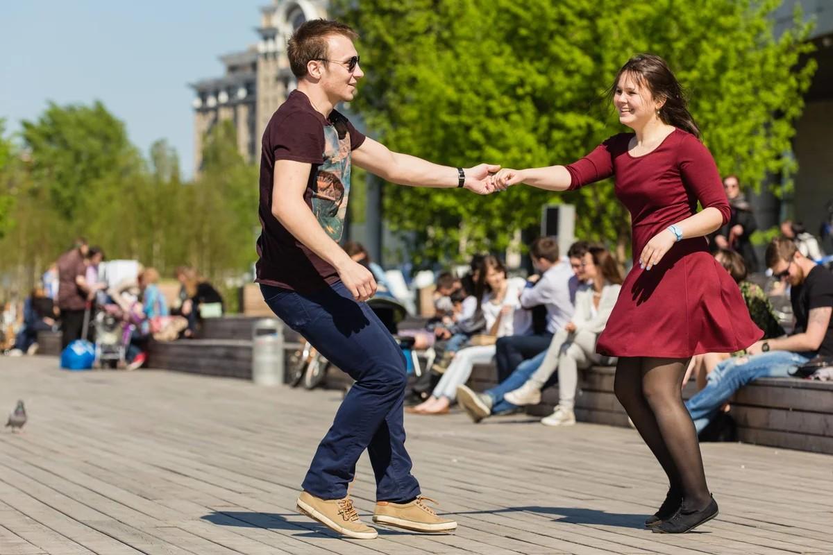 танцуем в парках