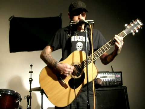 Stza of Star Fucking Hipsters - acoustic Two Cups of Tea Live at Green and Black eco prisoner benefit show 1-2-09