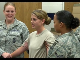 Пытка девушек электрошокером. Taser Certification Course - Air Force Security Forces Squadron