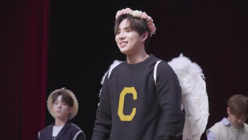 FANCAM | 29.12.18 | Wow (phototime) @ 2nd Season's Greetings Fansign 2019