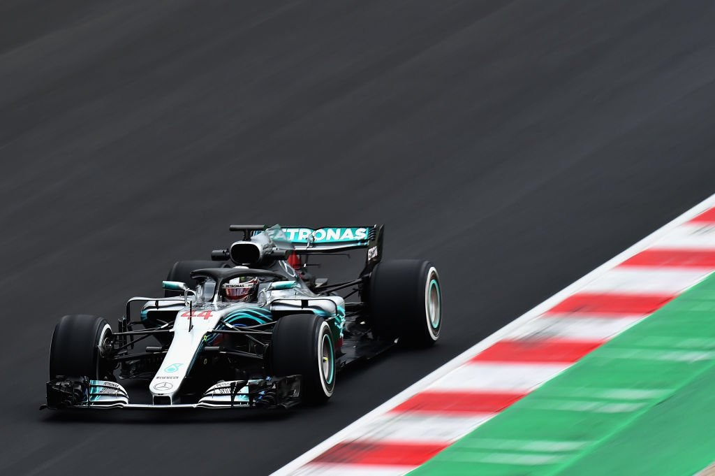 Льюис Хэмилтон (Mercedes) лидирует в четвёртый день тестов Формулы-1 в Барселоне