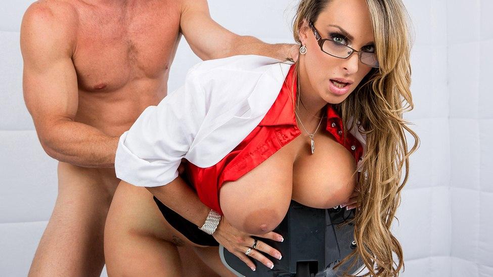 Секс под домашним арестом