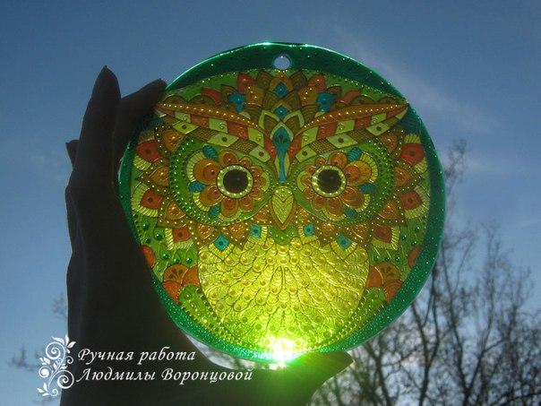 Ловец солнца Совёнок витражная роспись по стеклу , d 15см…. (4 фото)