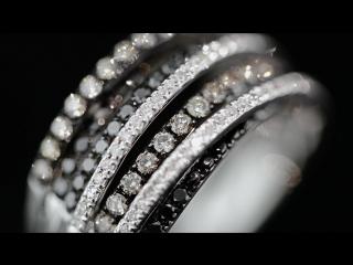 Золотое кольцо со 120 бриллиантами
