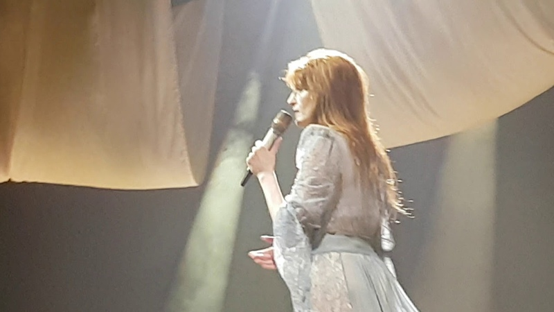 "Florence the Machine ""Shake It Out"" Berlin Mercedes Benz Arena 14.03.2019"