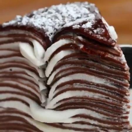"""ВКУСНЫЕ ВИДЕО on Instagram: """"Шикарный блинный торт 😋👌 Нажми на ❤️ . Отмечай друзей👦🏻👩🏻 . Подписывайся 👉 @vkusnovideo . пирог пироги пирогсяблока..."""