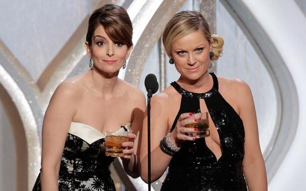 Тина Фей и Эми Полер проведут «Золотой Глобус»-2021 Комедиантки и актрисы Тина Фей («Студия 30») и Эми Полер («Парки и зоны отдыха») вернутся к обязанностям ведущих следующей, 78-й церемонии