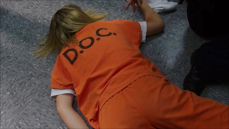 OITNB    Badison makes Piper fall    Season 6 Episode 1
