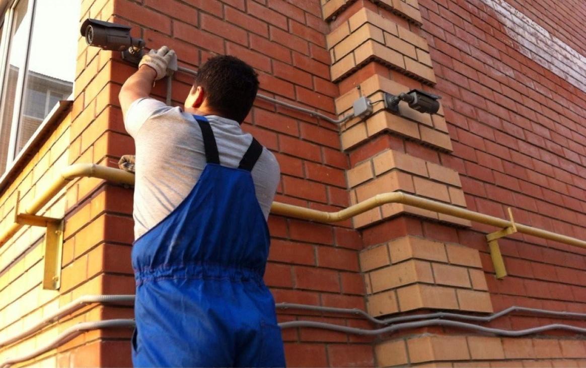 Установка видеонаблюдения в Москве, а так же монтаж систем безопасности. Профессионально быстро.