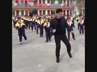Bust a move – with your school principal. _man_dancing_ ( 480p ).mp4