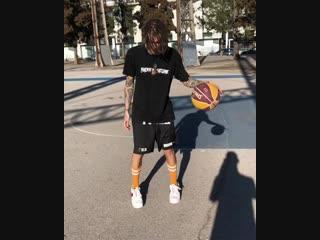 Kizary  показал свой  скилл в баскете
