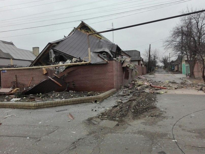 В Донецкой области восстановлено спасателями 140 домов, поврежденных обстрелами