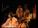 Oran Etkin Saxophone, Lansine Kouyate Balafon, Bangoura et Seba Percussion, Varela Bass