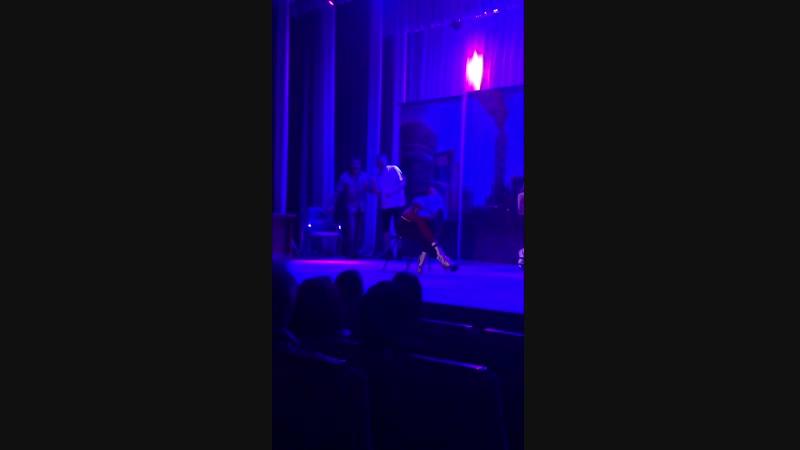 Танец Клер из спектакль Металлос Бойс или Стриптиз бригады металлургов. Жанр :Смешная Комедия