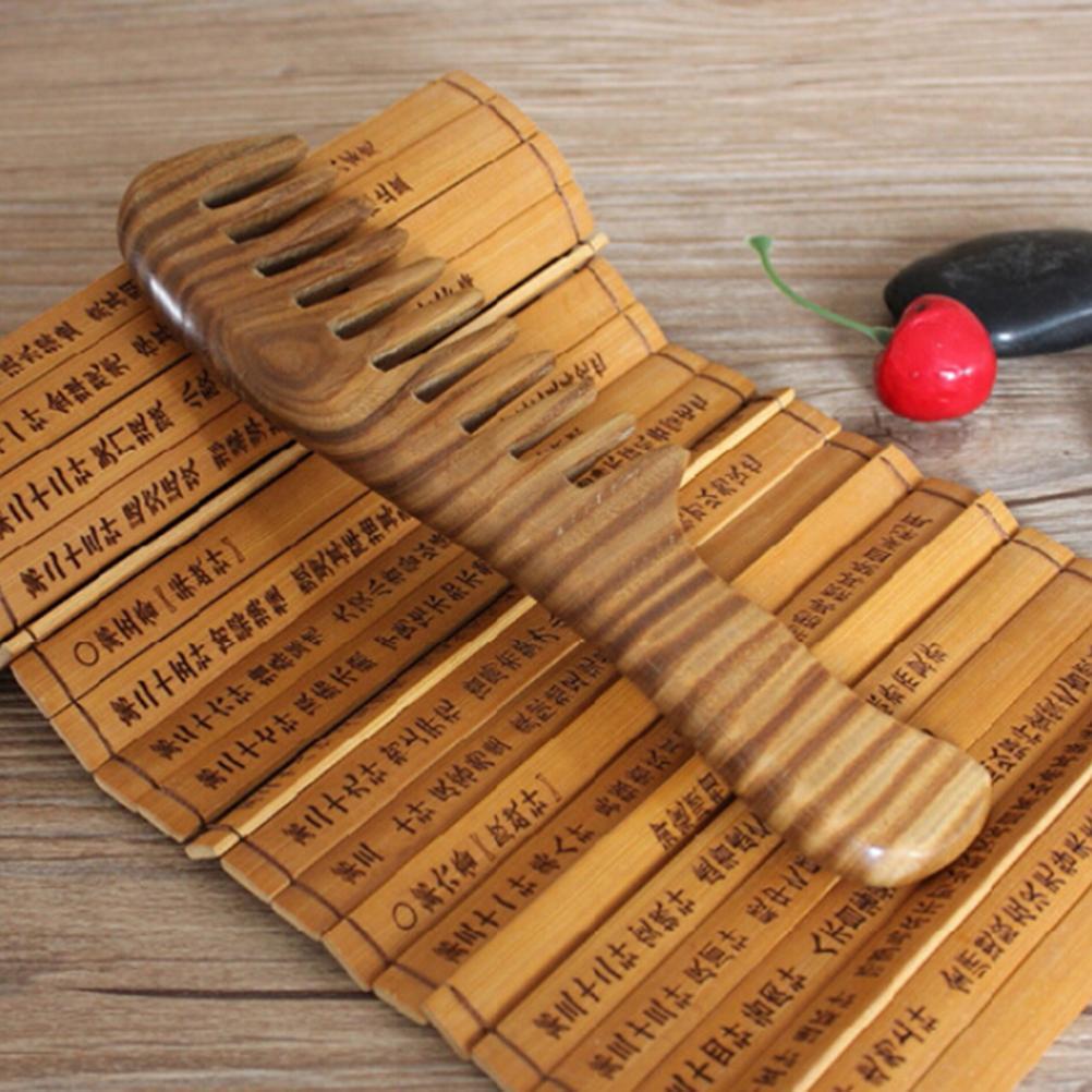 Деревянная расческа 370