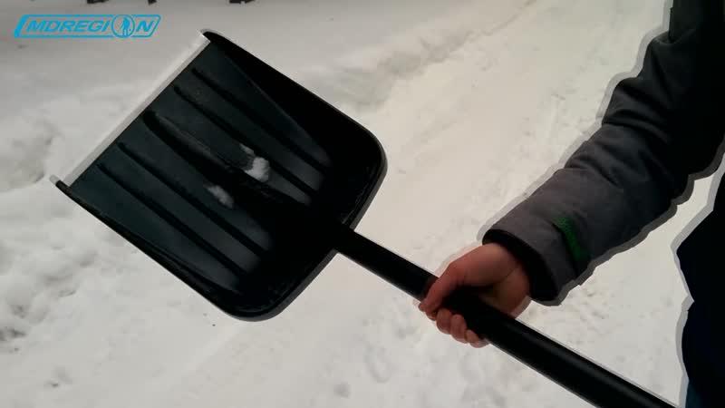 Правильный снегоуборочный инструмент - Fiskars лопата