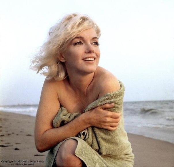 Последняя фотосессия Мэрилин Монро: ↪ Такой мир запомнил любимую актрису.
