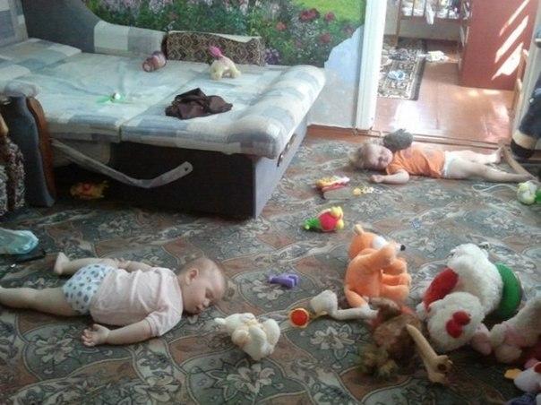 20 доказательств того, что жизнь с ребенком — это весело: ↪ Не знаю даже, плакать или смеяться 😂