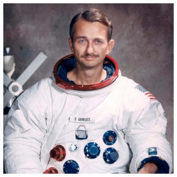 Космическая шутка Оуэна Гарриотта. В 1973 году он входил в экипаж американской орбитальной станции «Скайлэб». Розыгрыш, который он устроил над офицером Центра управления полетами Робертом