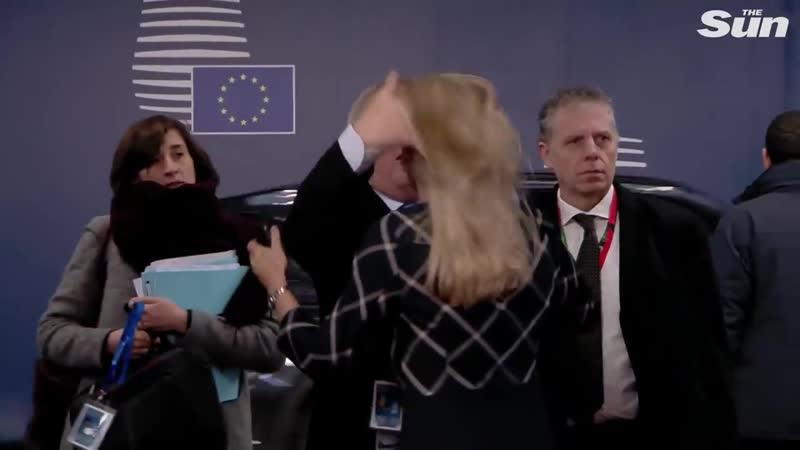Бумеранг за Ельцина в сети обсуждают странное поведение главы Еврокомиссии на саммите ЕС