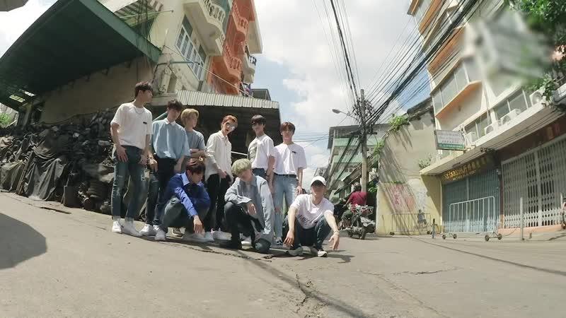 Stray Kids(스트레이 키즈) 극과 극(N/S) Video (Street Ver.)