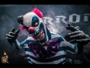 Веселый дефиле Злых Клоунов на Хэллоуин, парад страшных клоунов, артисты и шоу на праздник HALLOWEEN