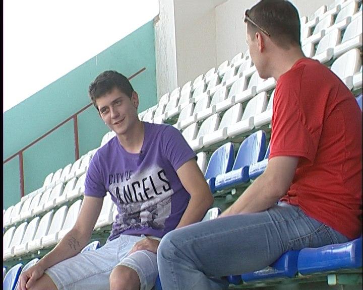 Максим Жестков на стадионе