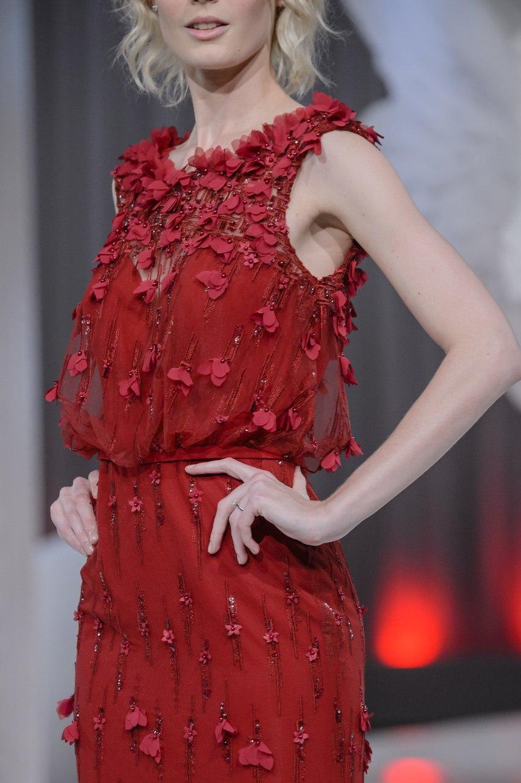 mrtmkXPiNKw - Коллекция свадебных платьев Nicole