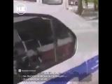 В Челябинске полицейские подстрелили неадеквата, который набросился на скорую