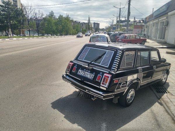 «Пацанский Rolls-Royce»: «Стильно-колхозный» тюнинг «Фантастической Четвёрки» позабавил россиян
