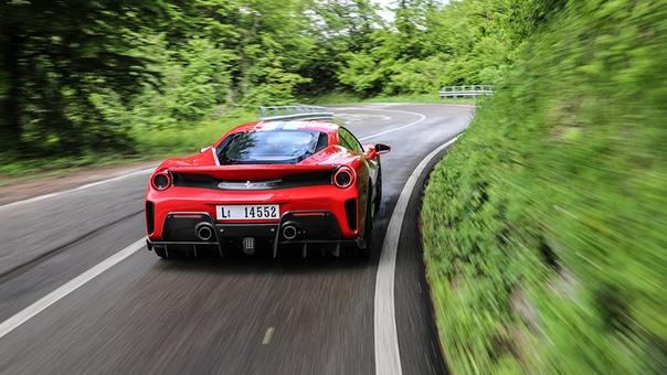 Гибридный суперкар Ferrari представят уже в мае текущего года Отом, что Ferrari готовит масштабную премьеру, глава компании Луи Камильери обмолвился вовремя мероприятия, посвященного
