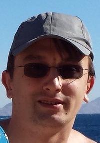 Роман Резцов