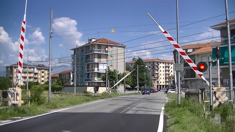 Spoorwegovergang San Maurizio Canavese (I) Railroad crossing Passaggio a livello