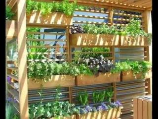 Вертикальные грядки на даче, и красиво и практично