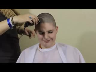 This sexy girl shaved her head bald