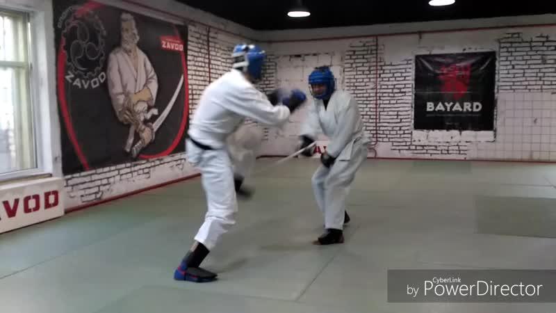 Тренировка по прикладной технике рукопашного боя, работа против палки спарринг.