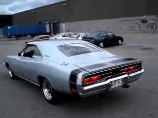 Dodge Charger RT 800 л с