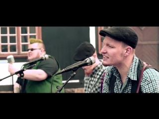 Barrels of Whiskey - The OReillys and the Paddyhats [Official Video]