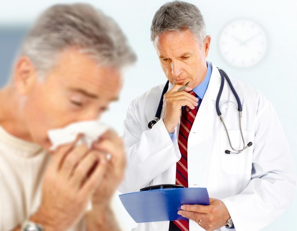 Врач, специализирующийся на диагностике и лечении аллергий, известен как аллерголог.