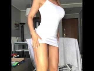 Игривая домохозяйка Соска,эротика,мамка,порно,показывает себя на вебку,секс, минет, blowjob, deep throat, в рот, ебля,сосёт