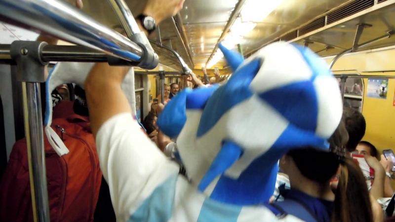Аргентинцы жгут в вагоне метро
