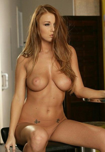 Dark brown milf teasing and undress