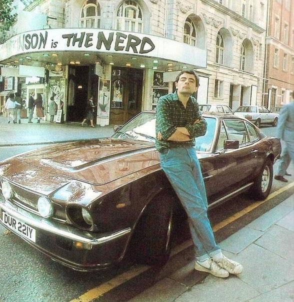 На фото: Роуэн Себастьян Аткинсон  британский комик, актёр и писатель, создатель «Мистера Бина » и «Чёрной гадюки»