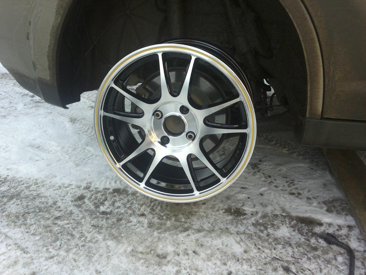 Nissan Tiida R17