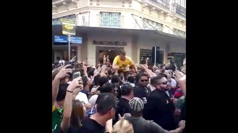 LUTO Bolsonaro foi esfaqueado pela intolerância pelo ódio por tudo aquilo que ele luta contra
