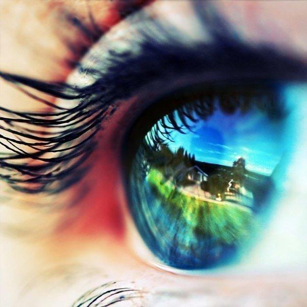 Глаза — это окно, за которым великолепно видна человеческая душа. Просто надо уметь заглянуть в это окно.