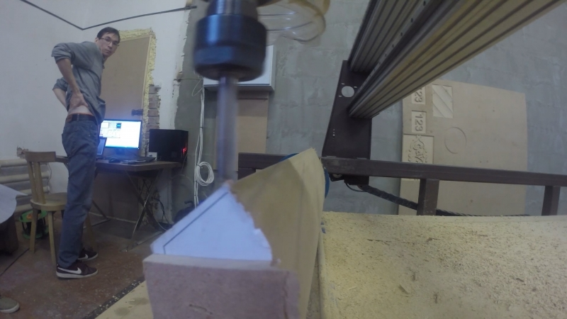 5-axis CNC ROUTER at work