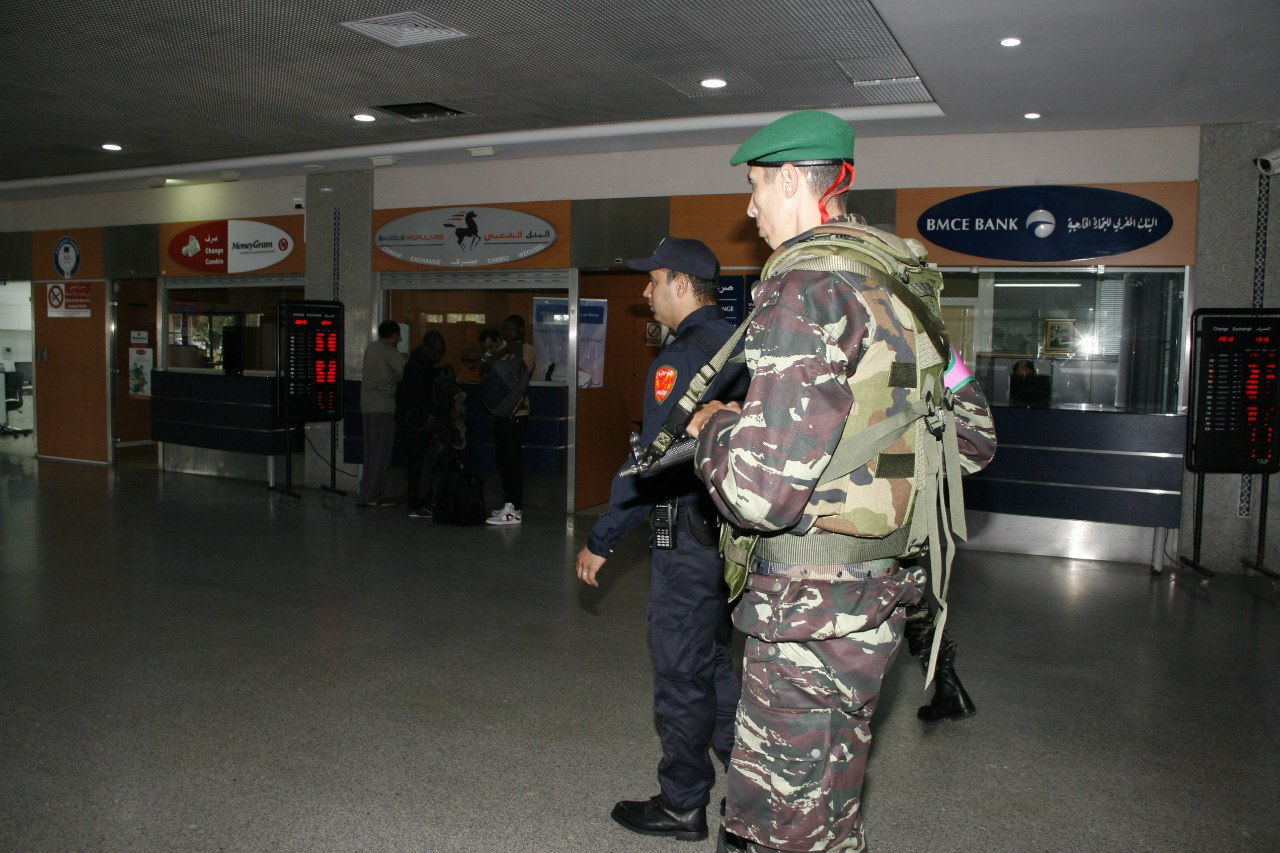 Photos de nos soldats et des Bases Marocaines - Page 2 SKTj2Nc1Sgo
