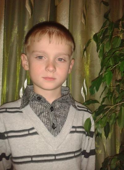 Денис Гордиенко, 8 апреля , Першотравенск, id191692550