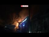 В Саратове на Аткарской улице горит жилой дом